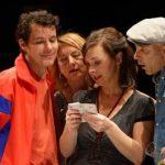 « Le dîner », pièce participative improvisée sous la direction de Joan Bellviure au Théâtre de Belleville