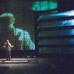 « Rouge décanté » d'après le roman de Jeroen Brouwers, mise en scène Guy Cassiers au Théâtre de la Bastille
