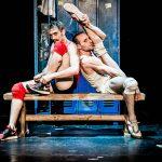 « Un poyo rojo, Teatro físico », mise en scène Hermes Gaido, Théâtre du Rond-Point