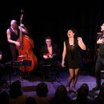 «Oh-la-la oui oui» swing lyrique avec deux chanteurs et trio de jazz, mise en scène Stéphan Druet, Théâtre de l'Athénée-Louis Jouvet, Paris.